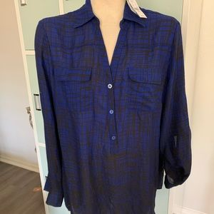 Black and royal blue button down top